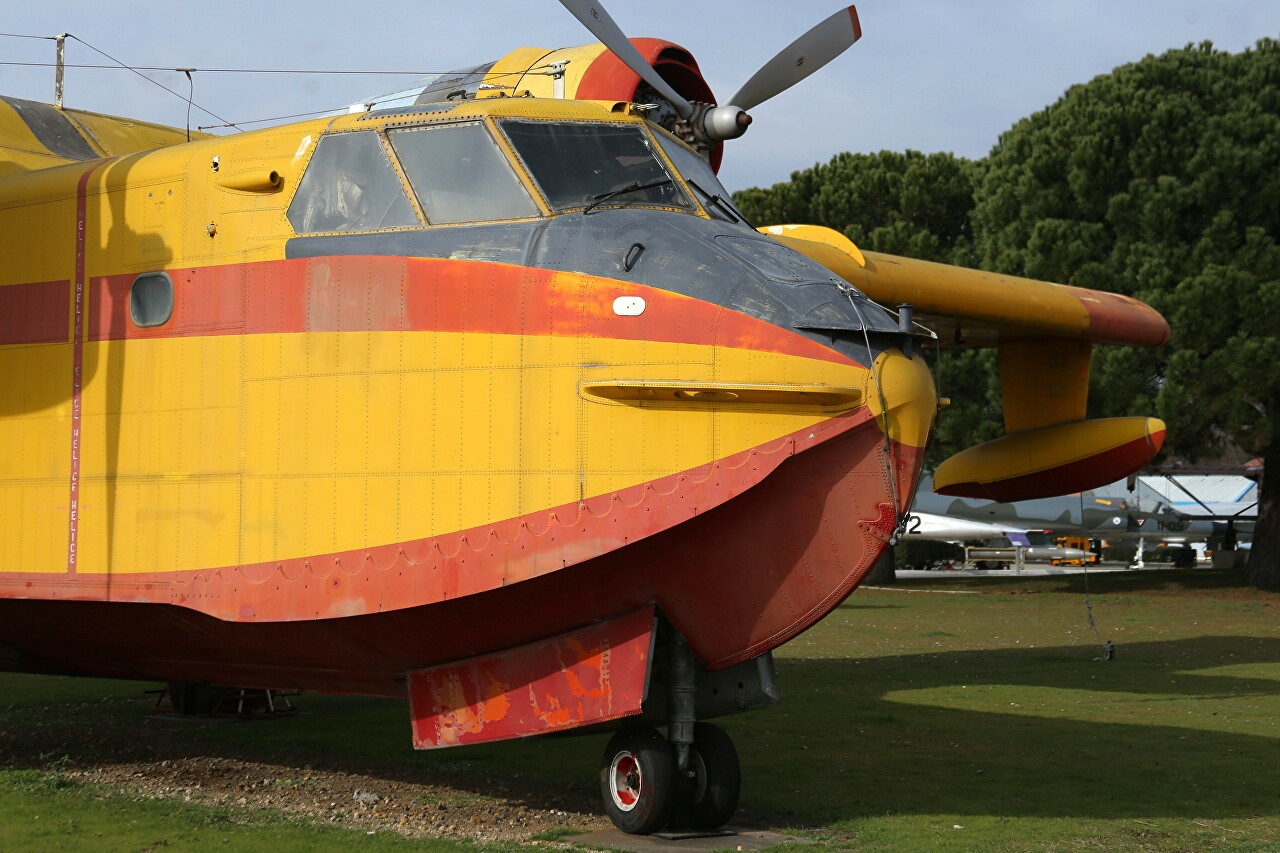 Canadair CL-215, Museo del Aire, Madrid